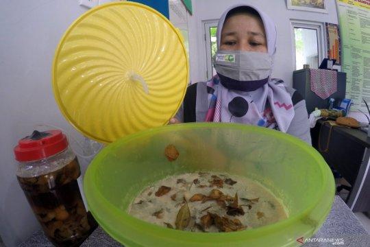 Bank sampah olah limbah dapur organik jadi disinfektan alami di Padang