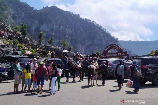 Wisatawan padati kawasan Lembang dengan terapkan protokol COVID-19