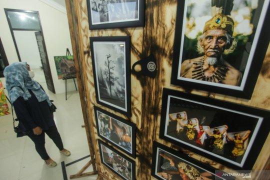 Pameran foto dan lukisan Dayak Kalimantan Tengah Berdaya
