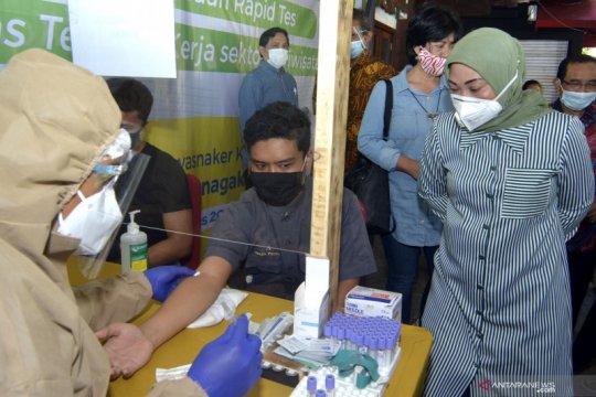 Pastikan kesehatan pekerja wisata di Bali, Kemenaker gelar tes cepat