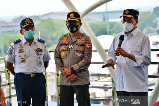 Menhub tinjau Tol Jakarta-Cikopo antisipasi arus balik libur panjang