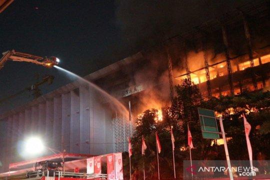 Kriminal sepekan, istri aniaya suami hingga kantor Kejagung terbakar