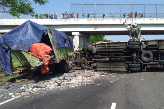 Kronologi kecelakaan di Tol Cipali libatkan tiga kendaraan