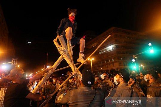 Ribuan warga Israel tuntut PM Netanyahu mundur
