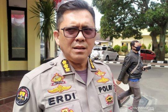 Polisi ungkap motif kasus pelemparan bom molotov ke kantor PDIP Bogor