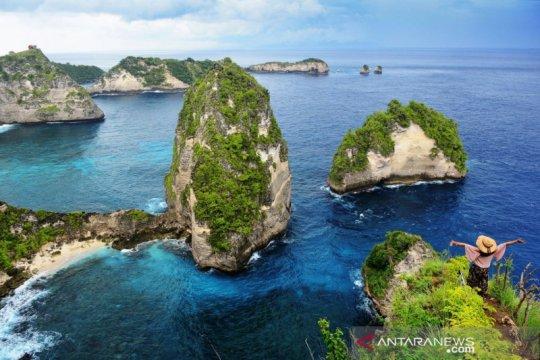 """Kegiatan """"Revitalisasi Bumi"""" sambut kunjungan wisata Nusa Penida"""