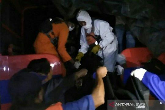 Tim SAR evakuasi jasad sepasang remaja yang tenggelam di Sungai Musi