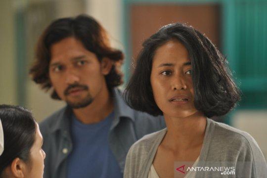 """Tantangan Putri Ayudya dan Ibnu Jamil perankan pasangan di """"Mudik"""""""
