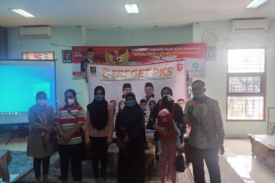 PKS Depok bantu kuota internet untuk 5.000 warga tak mampu