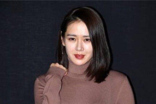 """Son Ye Jin dan Kang Ha Neul akan dipasangkan dalam """"Cut by the Heart""""?"""