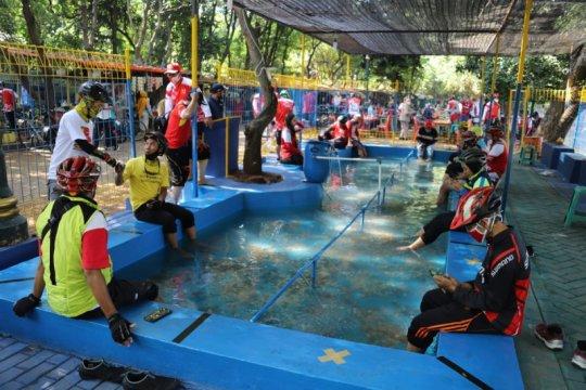 Ada kolam terapi ikan di Jakarta Selatan
