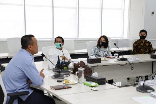 Menteri Edhy minta waktu, dalami permintaan longgarkan ekspor arwana