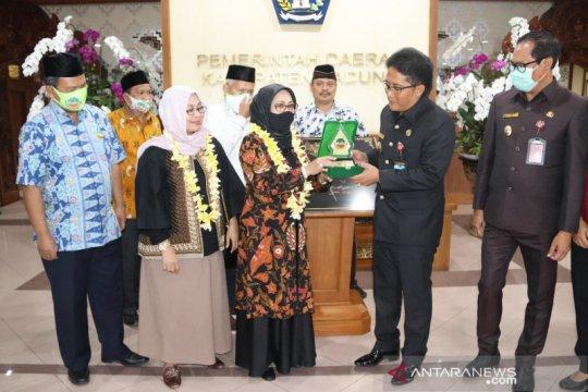 Putri Wapres Siti Ma'rifah kunjungi UMKM di Badung