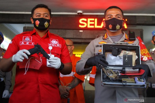 Polisi tahan pemilik senjata api ilegal di Malang