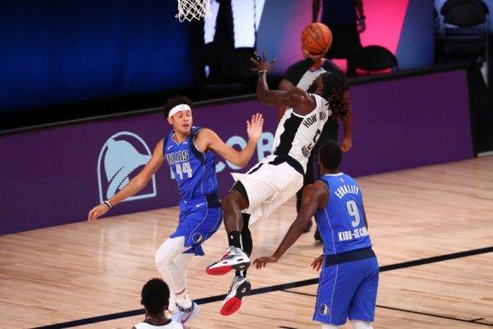 Clippers atasi Mavericks 154-111 untuk memimpin 3-2