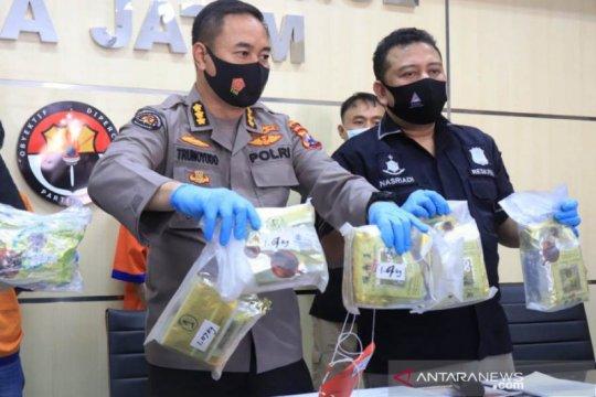 Polda Jatim bongkar peredaran 8,4 kilogram sabu jaringan Malaysia