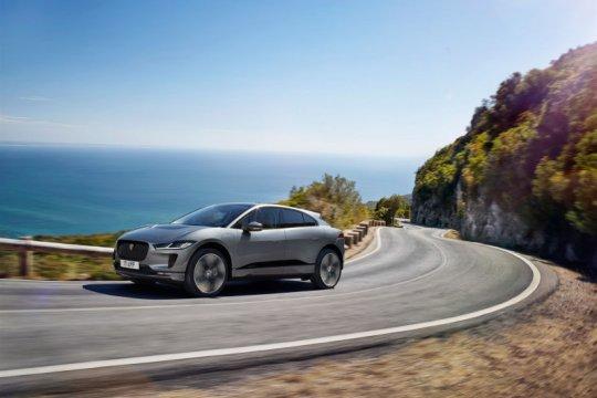 Jaguar diam-diam kenalkan SUV EV320 SE di Jerman