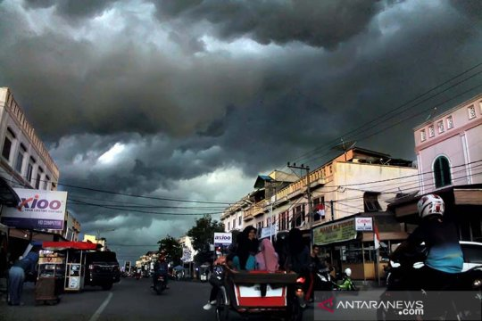 BMKG perkirakan cuaca ekstrem landa Aceh akibat sirkulasi siklon