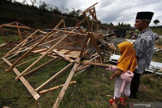 Angin puting beliung terjang Takengon, 34 rumah rusak