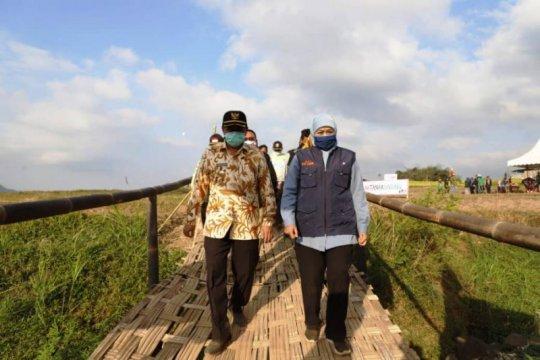 Khofifah luncurkan wisata paralayang dan agrowisata di Trawas