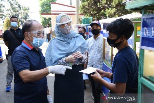 Wakil Ketua MPR Syarief Hasan beri bantuan modal usaha kepada UMKM