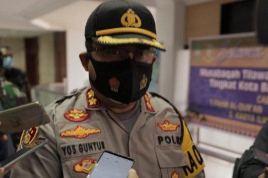 Polisi masih menunggu laporan dokter dipukul di Batam