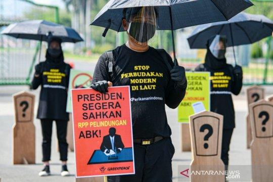 Kemlu bantu pemenuhan hak dua ABK Indonesia yang dilarung ke laut