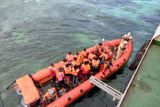Tim SAR evakuasi 72 penumpang KM Sabuk Nusantara 109