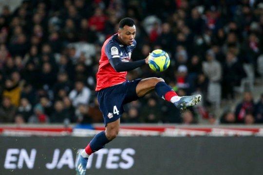Arsenal resmi hadirkan Gabriel dari Lille