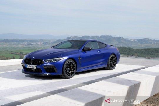 Dua varian BMW M8 2020 meluncur, ini spesifikasi dan perbedaannya