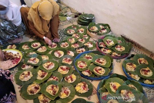 """Tradisi pembuatan bubur """"asyura"""" di Kudus masih dipertahankan"""