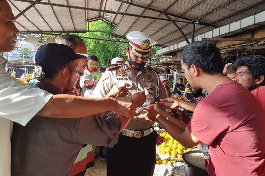 Ditlantas Polda Aceh bagikan 1.000 masker buat masyarakat