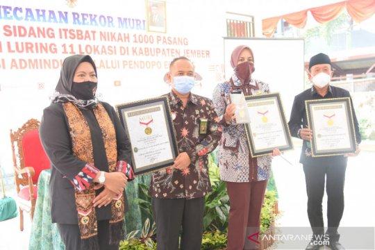 Isbat nikah 1.000 pasangan di Jember raih rekor MURI