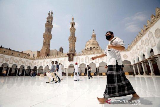 Shalat jumat pertama di Mesir semenjak pandemi COVID-19