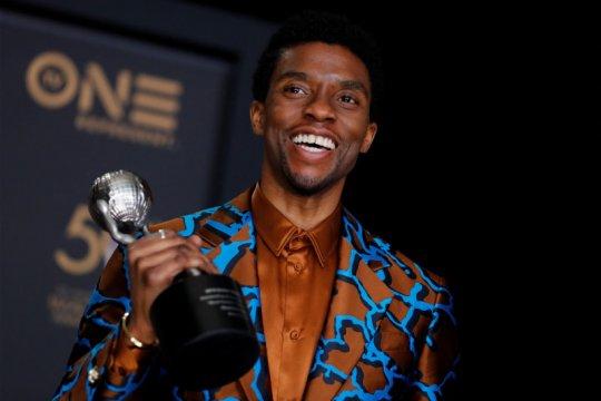 Kemarin, Chadwick Boseman wafat hingga mobil terbang nirawak