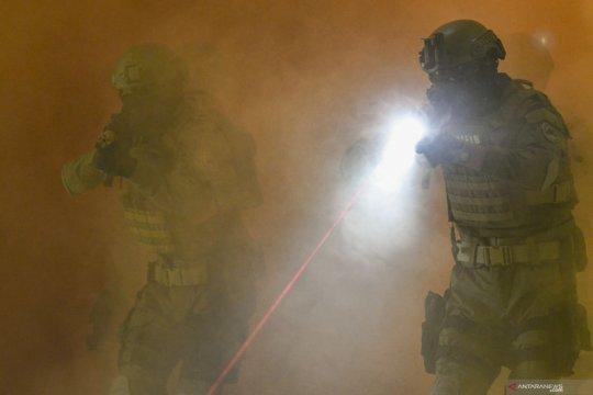 Yontaifib 1 Marinir berlatih tempur jarak dekat