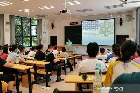 1,4 juta pelajar Wuhan kembali sekolah, China bangun 150.000 pospam