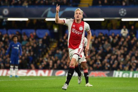 Donny van de Beek bakal merapat ke Manchester United