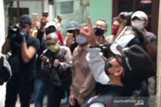 Sosialisasikan aturan PSBMK, Bima Arya pantau warga di pemukiman