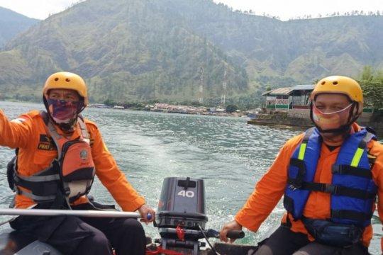Sepekan belum ketemu, SAR hentikan pencarian wisatawan di Danau Toba