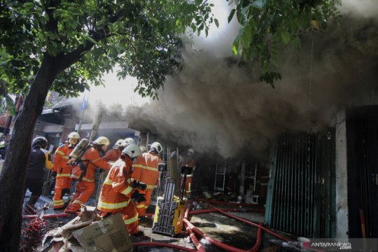 Lima orang tewas dalam kebakaran di Blauran Surabaya