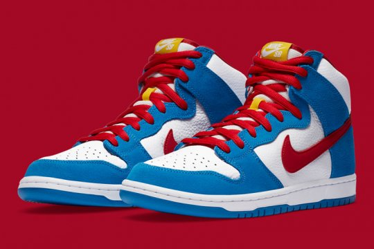 Usung warna cerah, Nike rilis sneakers SB Dunk High Doraemon