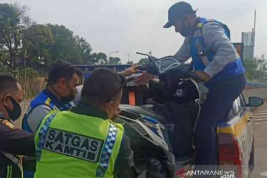 Jasa Marga amankan pemotor nekat masuk Tol Japek
