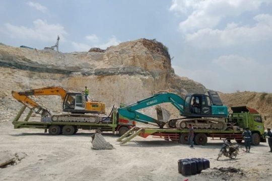Operasi Gakkum KLHK hentikan penambangan kapur ilegal di Klapanunggal
