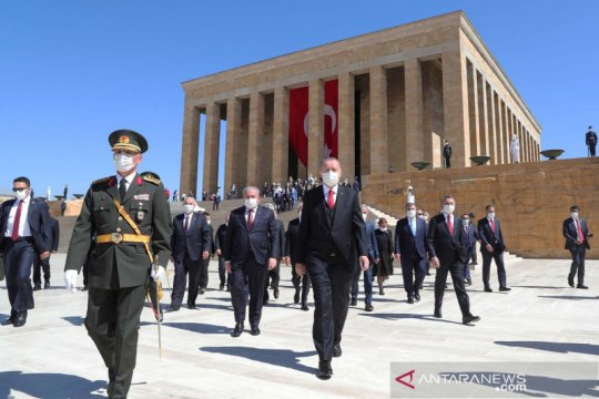 Erdogan serukan UU lebih ketat untuk pengacara Turki terkait terorisme