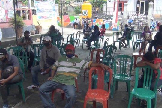 Disdukcapil Kota Ambon beri pelayanan dengan protokol kesehatan COVID-19