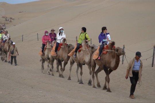 Kota Dunhuang di China masuki puncak musim wisatawan
