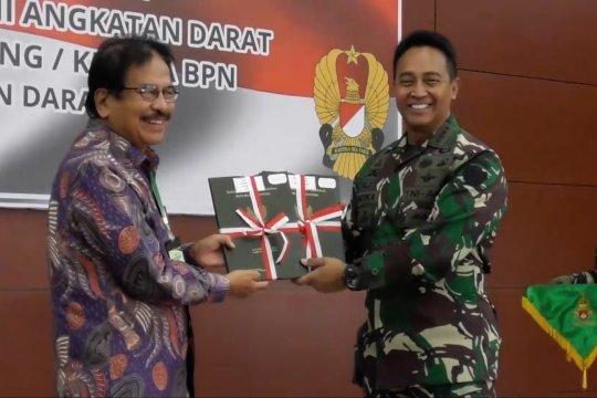 Menteri ATR/BPN serahkan 5 sertifikat tanah ke TNI AD
