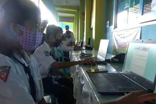 Pemkot Madiun bagikan 5.425 laptop guna optimalkan PJJ