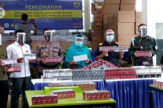 Bea Cukai Aceh musnahkan 3 juta rokok ilegal